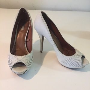 ZARA White Classy Cute Peep Toe High Heels Pumps